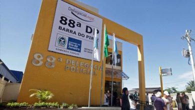 Foto de Mulher acusada de tráfico de drogas é presa em Barra do Piraí