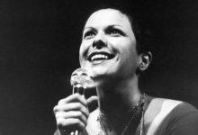 Foto de Elis Regina, a lendária cantora brasileira que deixou saudades